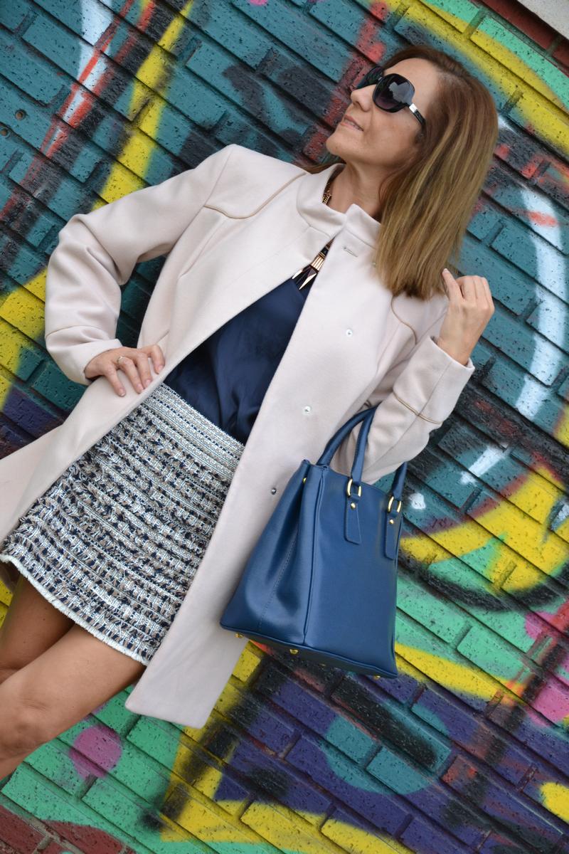 http://www.elegantealaparquediscreta.com/wp-content/uploads/2013/10/abrigo-beige-primark-01.jpg