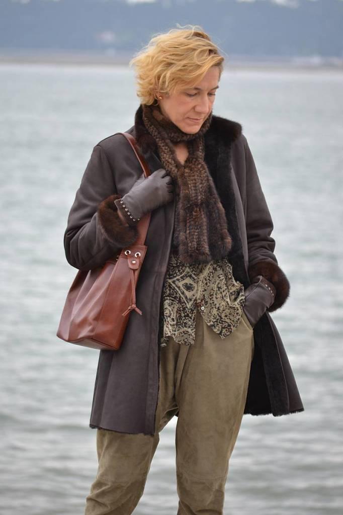Baggy verde y abrigo marrón 06
