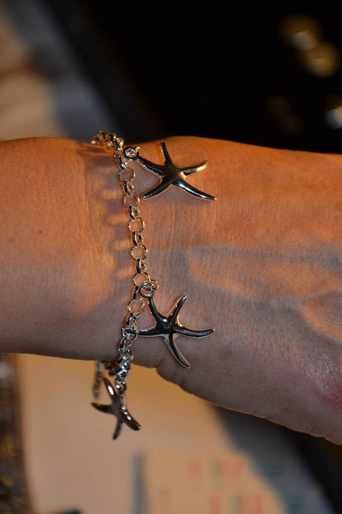Pulsera de plata con estrellas de Piccola Chic2