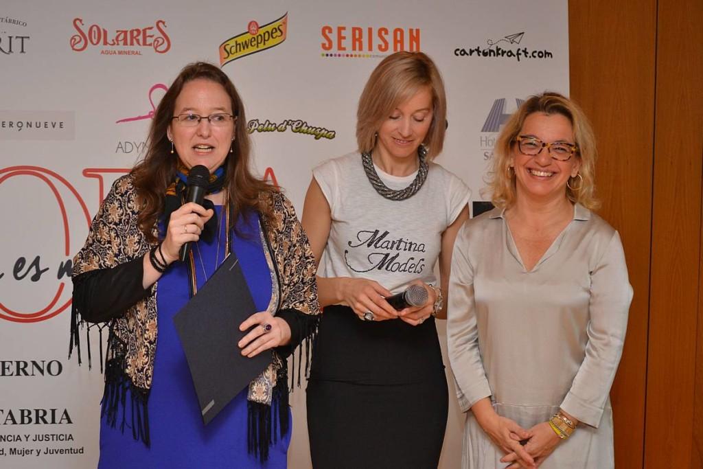 Leticia Díaz, Cristina Rozas e Isabel Gómez-Barreda en el Encuentro La moda es más que moda 01