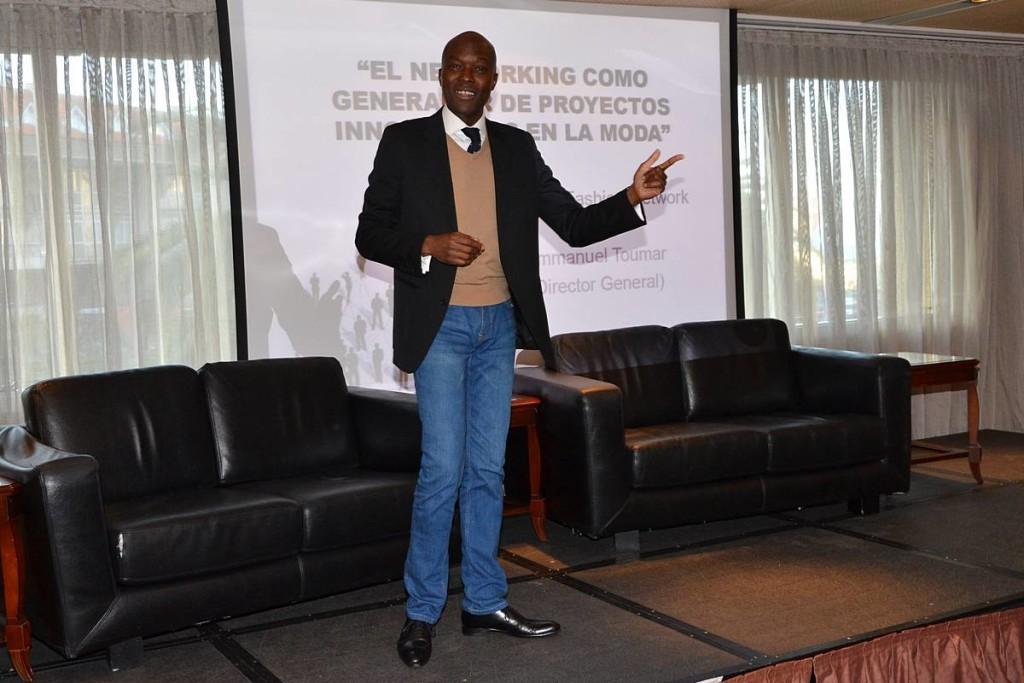 Emmanuel Toumar en el Encuentro La moda es más que moda
