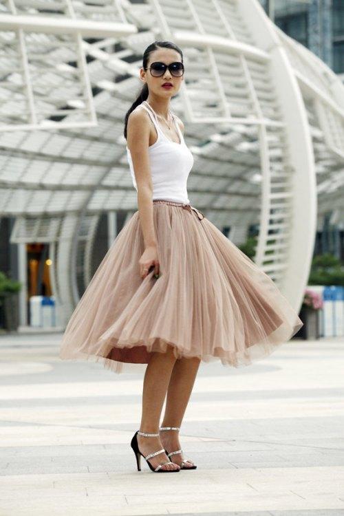 Falda  de tul color topo