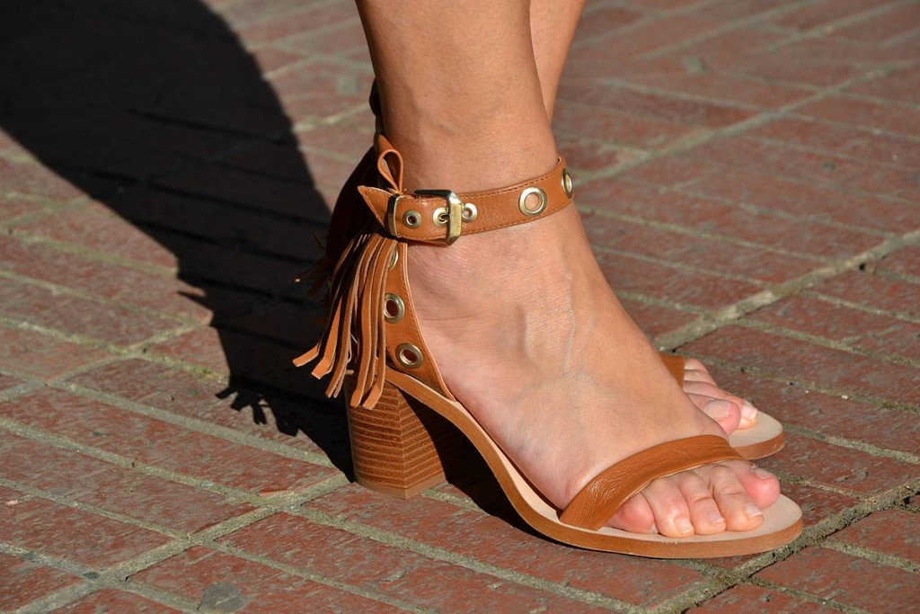 Sandalias de flecos de Zara